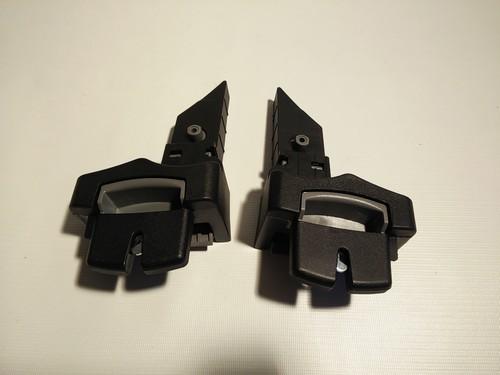 Set - Römer Universal-Adapter, Zwischenadapter, Verbindung für Babysafe, Babysafe Plus (2) Babyschale auf Adapter vom Britax Kinderwagen